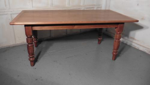 Traditional Victorian Pine Table (1 of 1)