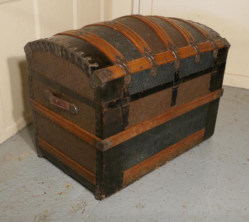 Very Decorative Spanish Dome Top Trunk (1 of 1)