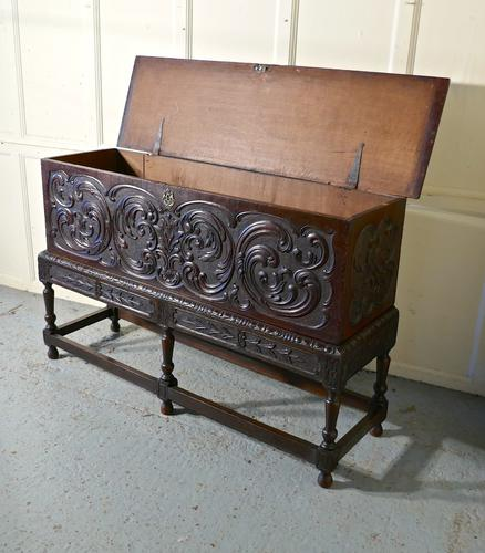 17th Century Carved Oak Sword Chest on Stand (1 of 10)