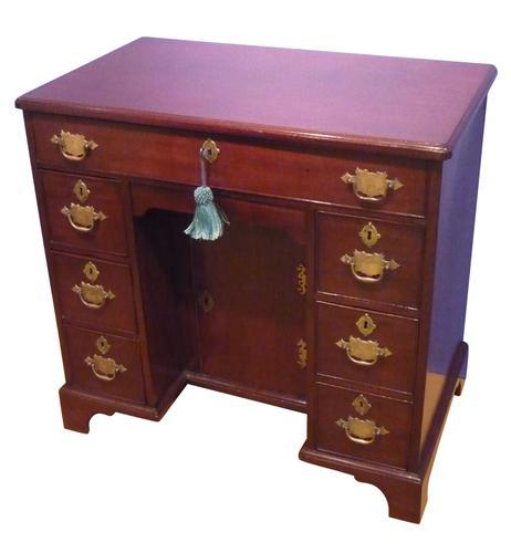 George III Mahogany Kneehole Desk c.1770 (1 of 1)