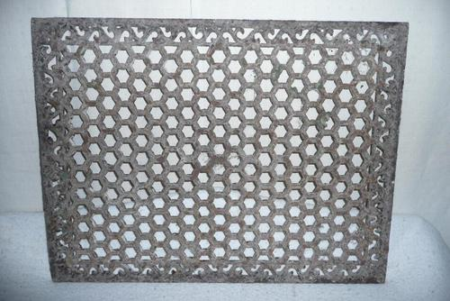 19th Century Cast Iron Grill (1 of 1)