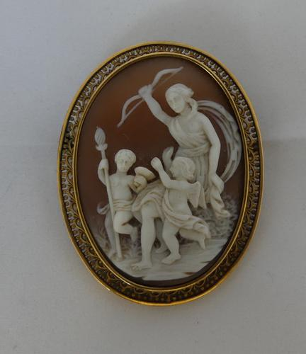19th Century 18 Carat Gold Cameo Brooch (1 of 3)