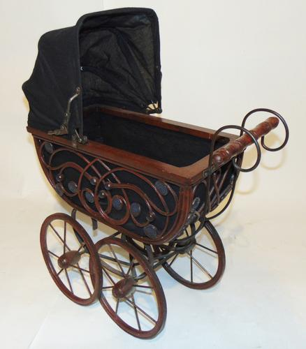 Edwardian Doll's Pram (1 of 6)