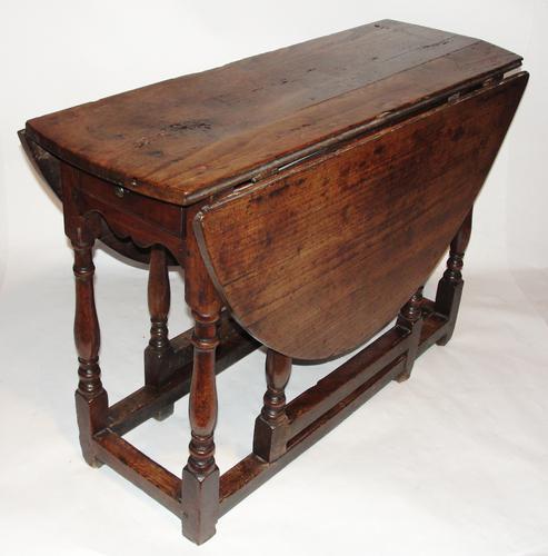 Georgian Solid Walnut Gateleg Dining Table c.1740 (1 of 1)
