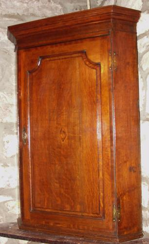 Georgian Oak Hanging Corner Cabinet (1 of 1)