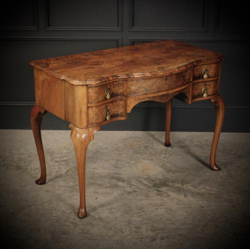 Queen Anne Style Shaped Walnut Dressing Table c.1920 (1 of 11)