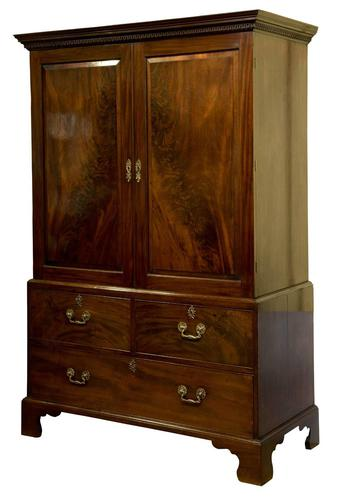 George III Linen Press (1 of 10)