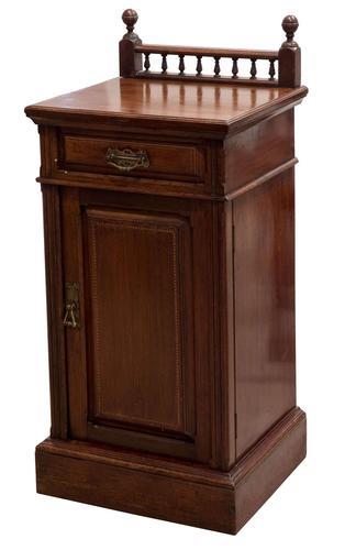 Victorian Walnut Bedside Cupboard c.1890 (1 of 6)