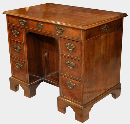 Mid 18th Century Mahogany Kneehole Desk c.1750 (1 of 1)