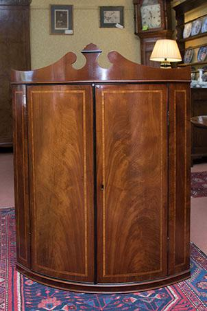 Bow Front Corner Cupboard C.1800 (1 of 1)