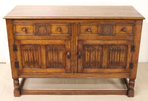 Linenfold Oak Sideboard c.1910 (1 of 1)