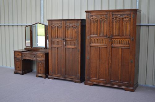 Carved Oak Bedroom Suite Double Wardrobe Gents Wardrobe Dressing Table (1 of 1)