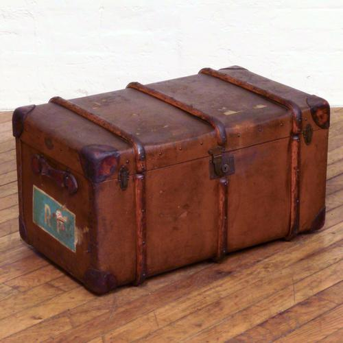 Vintage Brown Featherweight Flaxite Fibre Trunk (1 of 1)