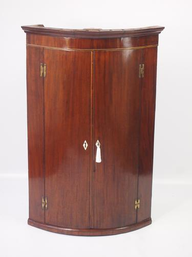 Antique Georgian Bow Fronted Mahogany Corner Cupboard (1 of 1)