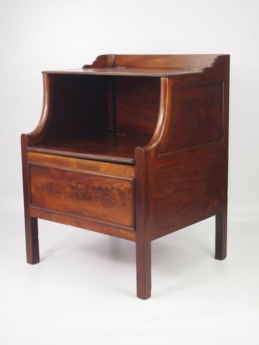 Antique Georgian Mahogany Bedside Cabinet or Commode (1 of 1)