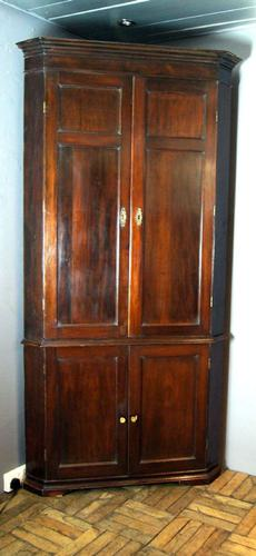 Good Honest Original Georgian Floor to Ceiling Corner Cupboard (1 of 1)