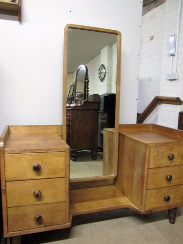 Gordon Russell Cotswold School Modernist Oak Dressing Table (1 of 1)