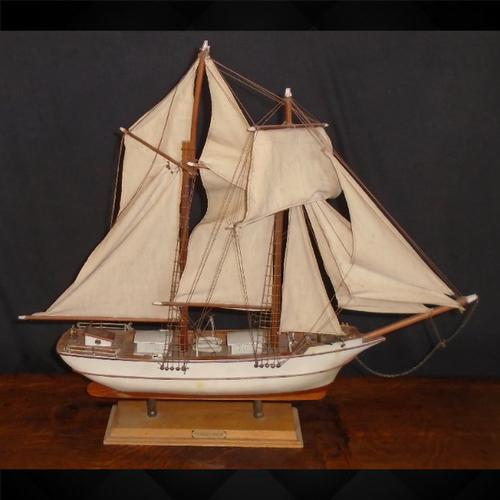 Model Ship La Belle Poulle (1 of 9)