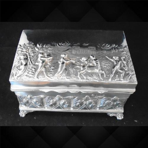 Silver Embossed Rectangular Box Chester 1901 (1 of 12)