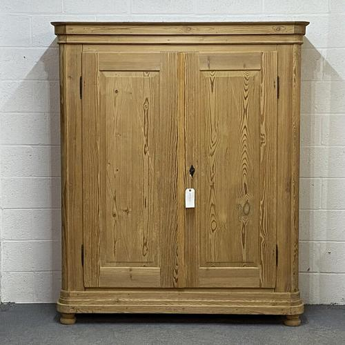Large Double Antique Pine Wardrobe (Dismantles) (1 of 12)