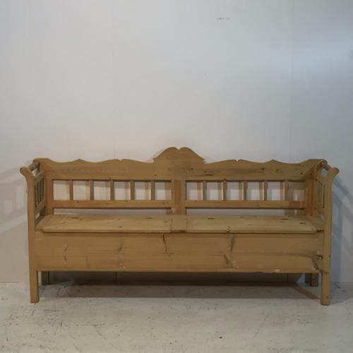 Large Antique Pine Farmhouse Storage Bench (1 of 1)