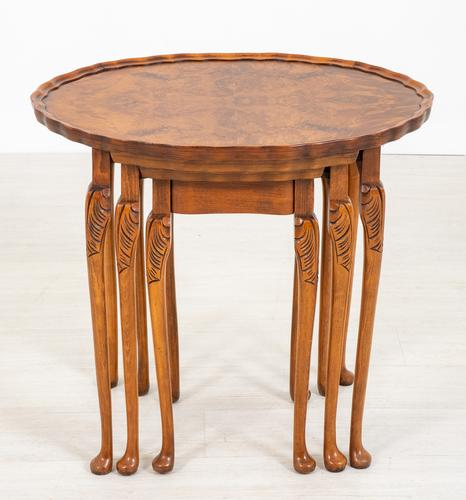 Queen Anne Style Nest of 3 Walnut Tables c.1920 (1 of 9)