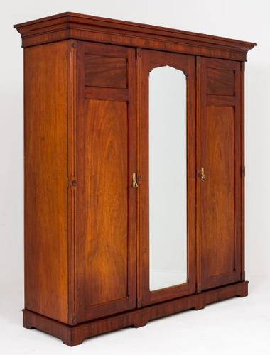 Victorian Mahogany 3 Door Wardrobe (1 of 1)