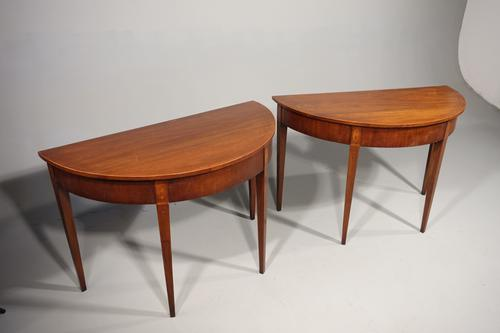 Attractive Pair of Late 18th Century Pier Tables (1 of 2)