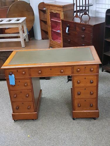 Small Victorian Desk (1 of 5)
