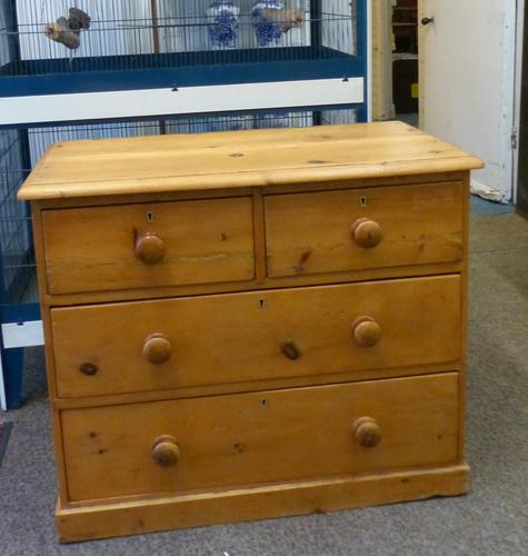 Pine Chest of Drawers c.1900 (1 of 1)