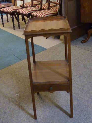 Small Georgian Table (1 of 1)