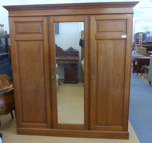 Edwardian 3 Door Wardrobe (1 of 1)