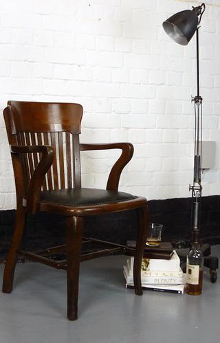 Good Vintage Oak Office Desk Chair c.1920 (1 of 1)