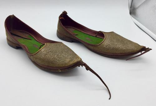 Old Pair of Aladdin Slippers c.1925 (1 of 6)
