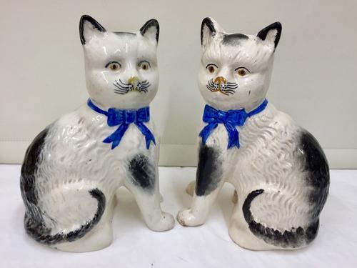 Antique Pair of Scottish Pottery Cat Figurines c.1875 (1 of 4)