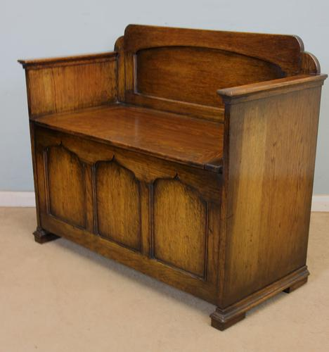 Oak Hall Seat / Monks Bench (1 of 1)