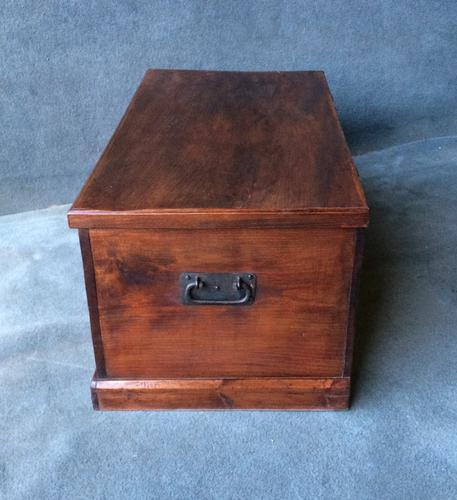 Victorian Elm Coffer Chest (1 of 1)