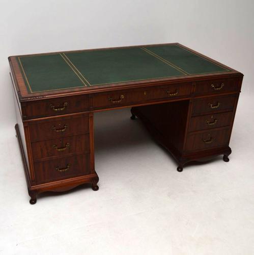 Large Mahogany Pedestal Desk C.1920 (1 of 1)