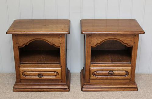 Pair of Low Oak Bedside Cabinets, English c.1960 (1 of 1)