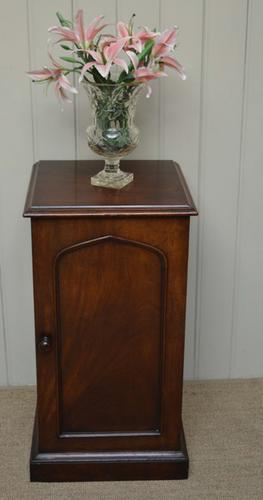 Victorian Mahogany Pot Cupboard, English c.1880 (1 of 1)