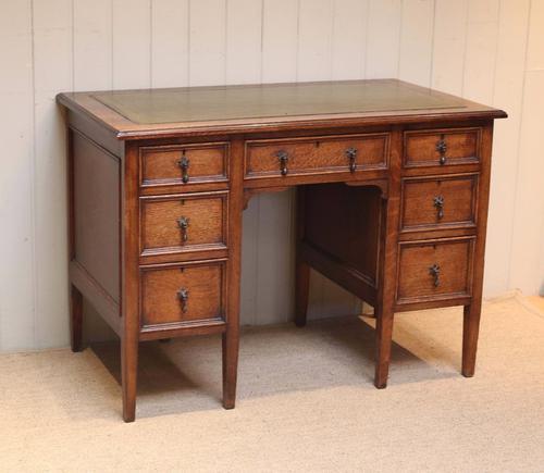 Oak Kneehole Desk c.1910 (1 of 1)