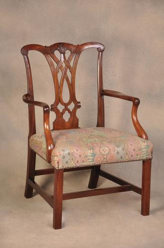 Large 18th Century Mahogany Chippendale Armchair (1 of 8)