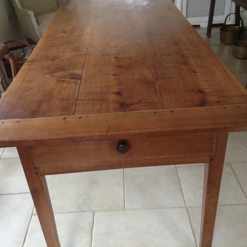 Farmhouse Table (1 of 3)