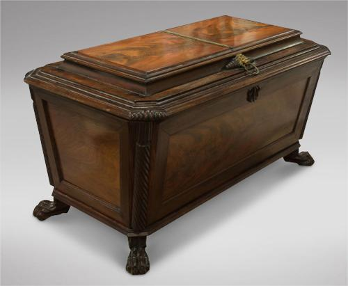 Lovely Irish Mahogany Cellarette 19th Century (1 of 5)