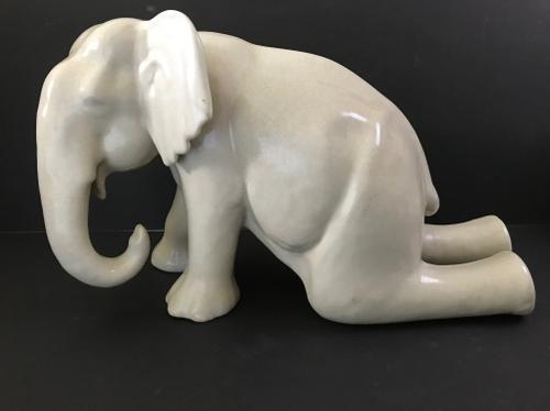 Good Sized Ceramic of an Elephant (1 of 1)