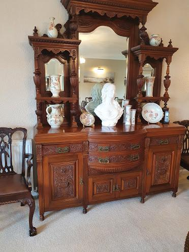 Top Quality Red Walnut Sideboard c.1870 (1 of 6)
