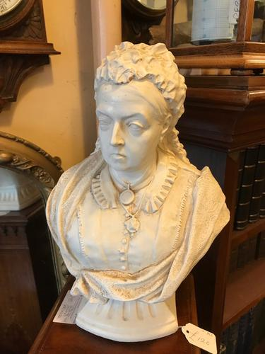 Bust of Queen Victoria (1 of 1)