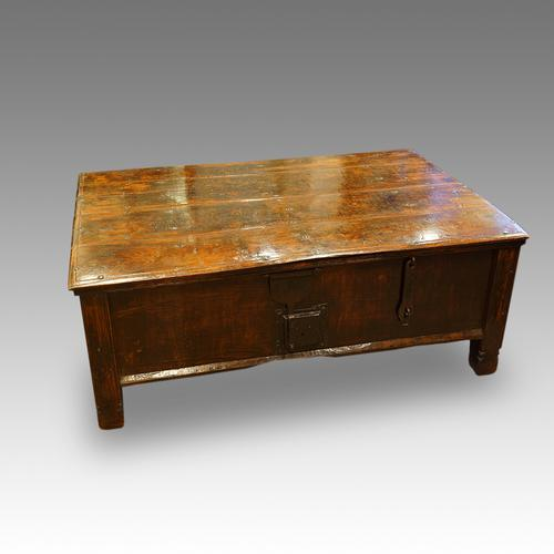 Antique Colonial Hardwood Large Coffee Table Trunk (1 of 1)