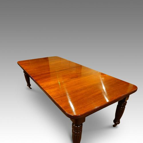 Victorian Mahogany Extending Dining Table C.1880 (1 of 1)