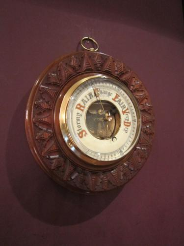 Decorative Victorian Walnut Aneroid Barometer (1 of 1)
